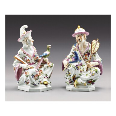 A PAIR OF MEISSEN SEATED CHINOISERIE FIGURES CIRCA 1740