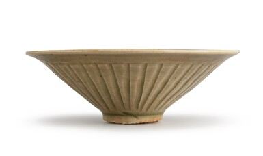 View 2. Thumbnail of Lot 110. A rare small molded 'Yaozhou' celadon-glazed bowl, Northern Song / Jin dynasty | 北宋 / 金 耀州窰青釉印花鴛鴦花卉紋小笠式盌.