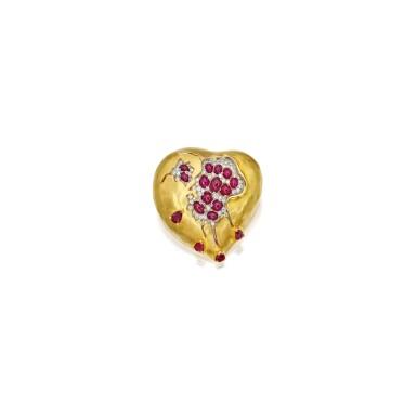 GOLD, RUBY AND DIAMOND 'POMEGRANATE HEART' BROOCH, HENRYK KASTON FOR SALVADOR DALÍ   黃金鑲紅寶石配鑽石「紅石榴之心」別針,Henryk Kaston為薩爾瓦多・達利製造