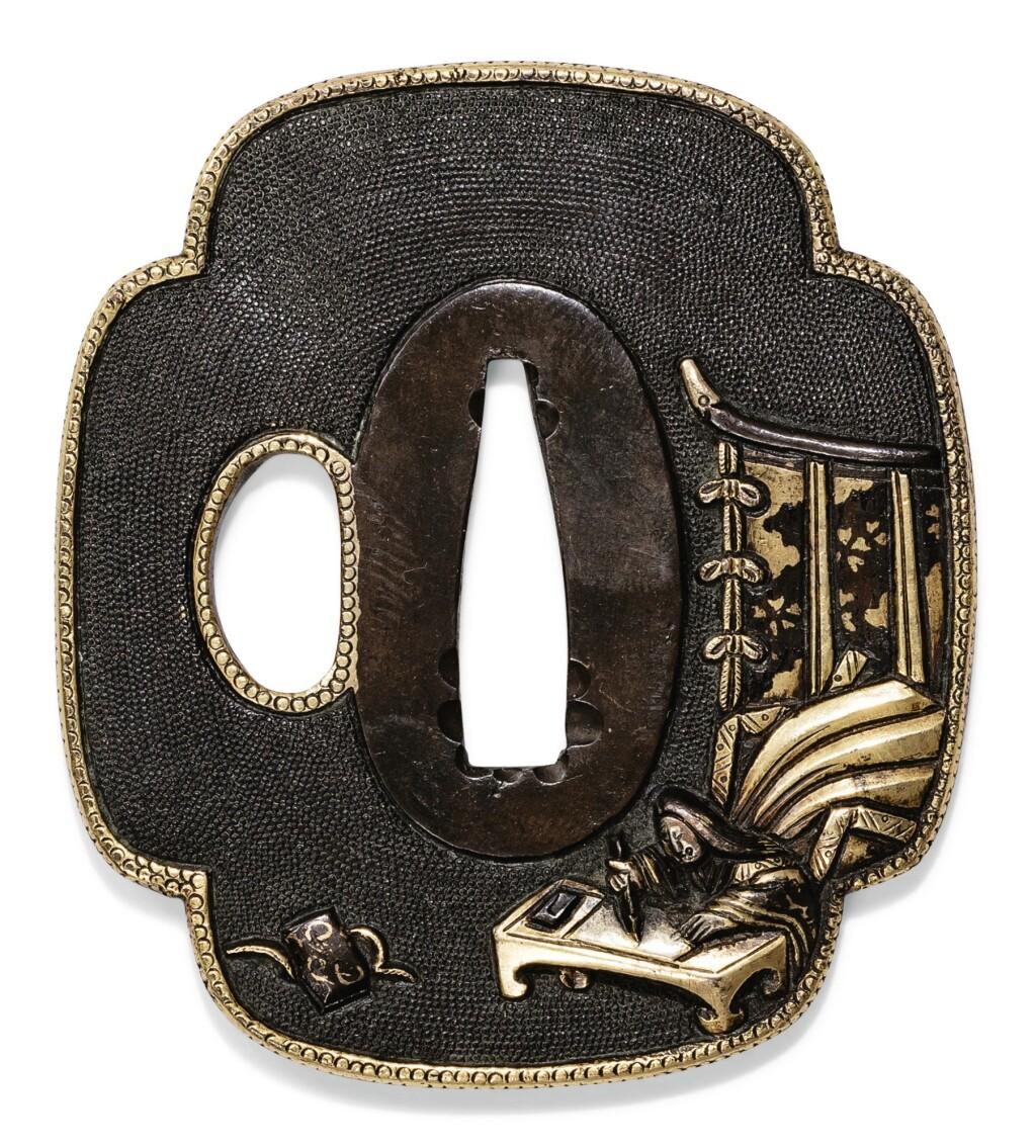 TSUBA EN FER INCRUSTÉ D'OR JAPON, ÉPOQUE EDO/MEIJI | A moko-shaped iron tsuba inlaid in gold, Edo/Meiji period