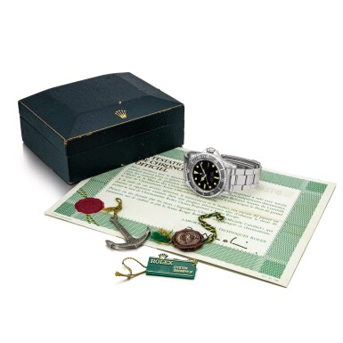 View 4. Thumbnail of Lot 2128. Rolex | Submariner 'Single Red', Reference 1680, A stainless steel wristwatch with date and bracelet, Circa 1970 | 勞力士 | Submariner 'Single Red' 型號1680  精鋼鏈帶腕錶,備日期顯示,約1970年製.