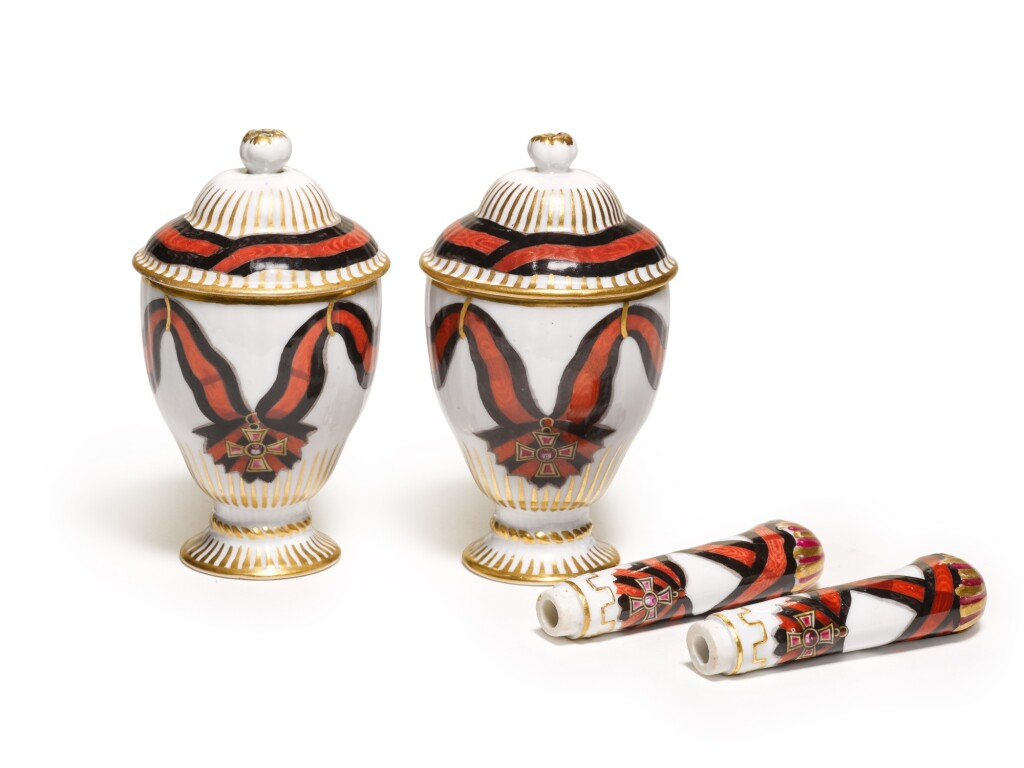 TWO RARE PORCELAIN COVERED ICE CUPS AND TWO PORCELAIN HANDLES FROM THE SERVICE OF THE ORDER OF ST VLADIMIR, GARDNER PORCELAIN FACTORY, VERBILKI, CIRCA 1780