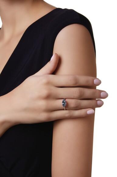 View 2. Thumbnail of Lot 485. FANCY GRAYISH BLUE DIAMOND RING   彩灰藍色鑽石戒指.