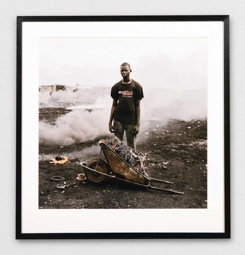 PIETER HUGO | AL HASAN, AGBOGBLOSHIE MARKET, ACCRA, GHANA, PERMANENT ERROR SERIES, 2009
