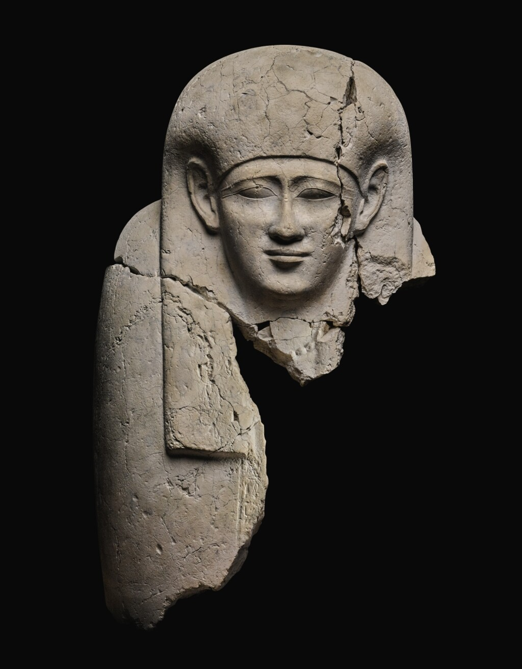 A FRAGMENTARY EGYPTIAN LIMESTONE SARCOPHAGUS LID, 30TH DYNASTY/EARLY PTOLEMAIC PERIOD, CIRCA 380-200 B.C.