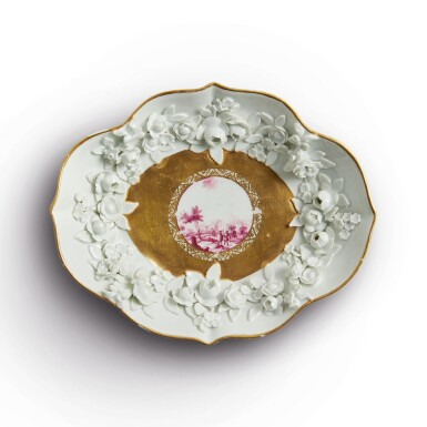 A MEISSEN ROYAL LOBED FLOWER-ENCRUSTED SAUCER CIRCA 1735