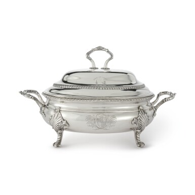 A SCOTTISH SILVER SOUP TUREEN AND COVER, GEORGE MCHATTIE, EDINBURGH, 1812