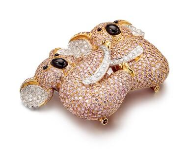 View 8. Thumbnail of Lot 1075. Coloured Diamond and Diamond Brooch | 格拉夫| 彩色鑽石 配 鑽石 胸針 (彩色鑽石及鑽石共重約19.30及3.40克拉).