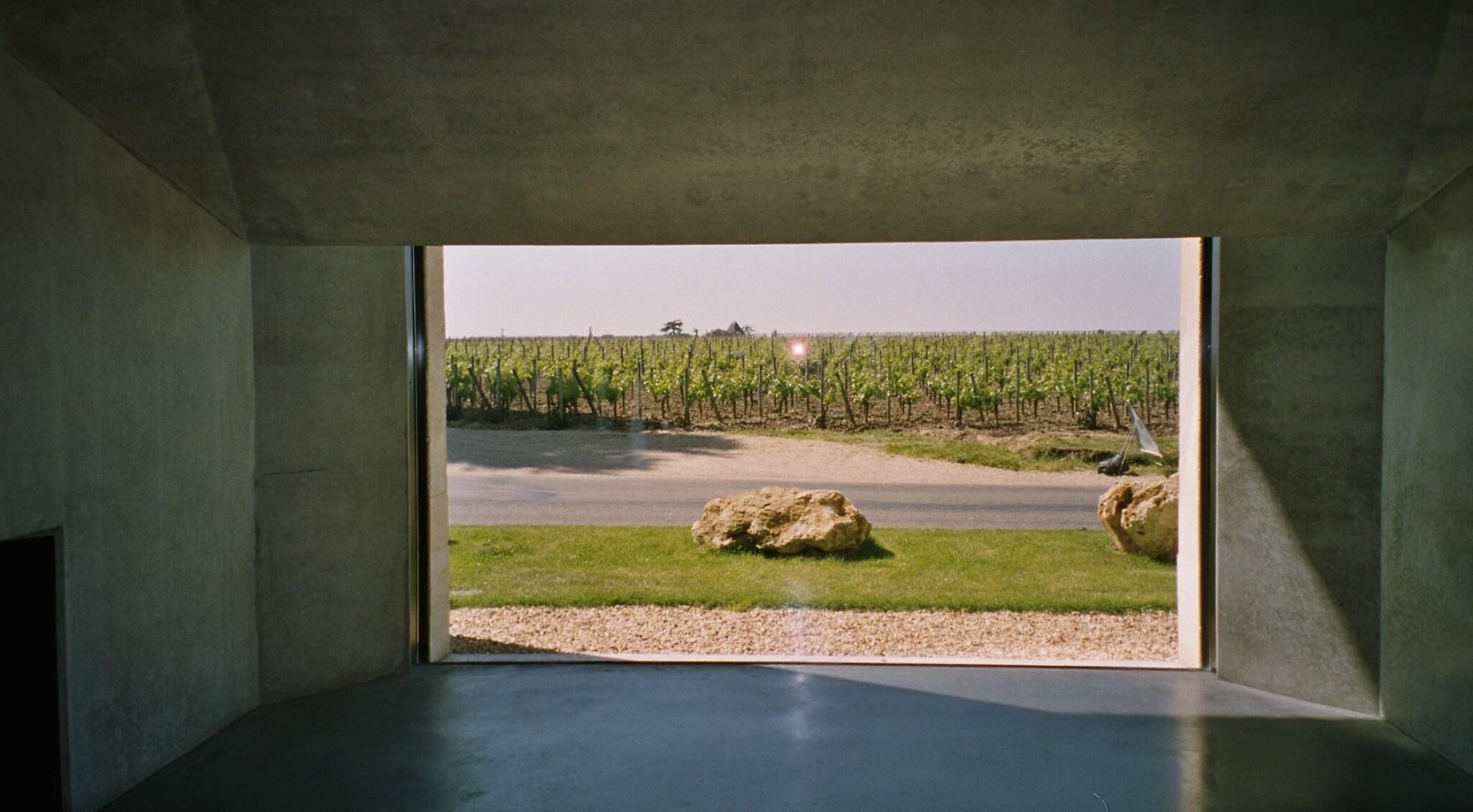 View full screen - View 1 of Lot 568. Petrus 1982  (12 BT).