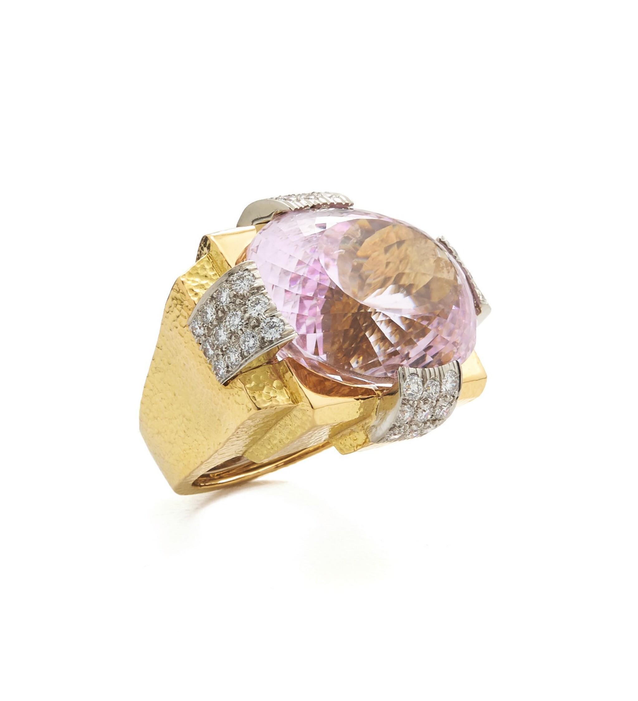 View full screen - View 1 of Lot 83. DAVID WEBB | GOLD, KUNZITE AND DIAMOND RING.