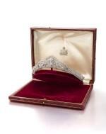 DIAMOND TIARA / CLIP BROOCHES / BRACELET, POSSIBLY GARRARD & CO.| 鑽石冠冕 / 胸針 / 手鏈, Possibly Garrard & Co.