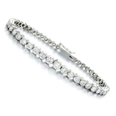 View 1. Thumbnail of Lot 98. Diamond bracelet.