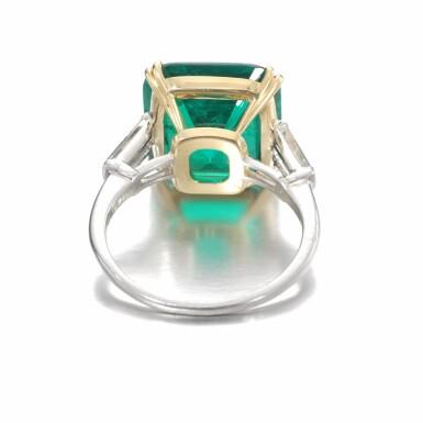 View 3. Thumbnail of Lot 137. Harry Winston   Emerald and diamond ring   海瑞溫斯頓   祖母綠配鑽石戒指.