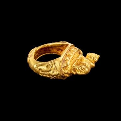 View 4. Thumbnail of Lot 1008. A gold ring of Nandi on a lotus Java, Indonesia, 10th - 15th century | 十至十五世紀 印尼爪哇 聖牛南迪蓮紋戒指.