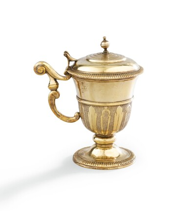 A SILVER-GILT MUSTARD-POT, PARIS, 1779-1780 |  MOUTARDIER EN VERMEIL, PARIS, 1779-1780