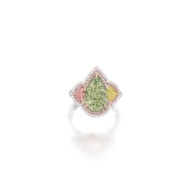 View 1. Thumbnail of Lot 1652.  FANCY YELLOW-GREEN DIAMOND, FANCY COLOURED DIAMOND AND DIAMOND RING    5.00卡拉 梨形 彩黃綠色 VS2淨度 鑽石 配 彩色鑽石 及 鑽石 戒指.