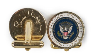RONALD REAGAN, SIGNED PHOTOGRAPH AND SET OF PRESENTATION PRESIDENTIAL CUFFLINKS, [1983]