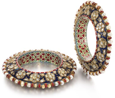 A PAIR OF DIAMOND-SET AND ENAMELLED BRACELETS SET WITH PEARLS, NORTH INDIA, 18TH CENTURY