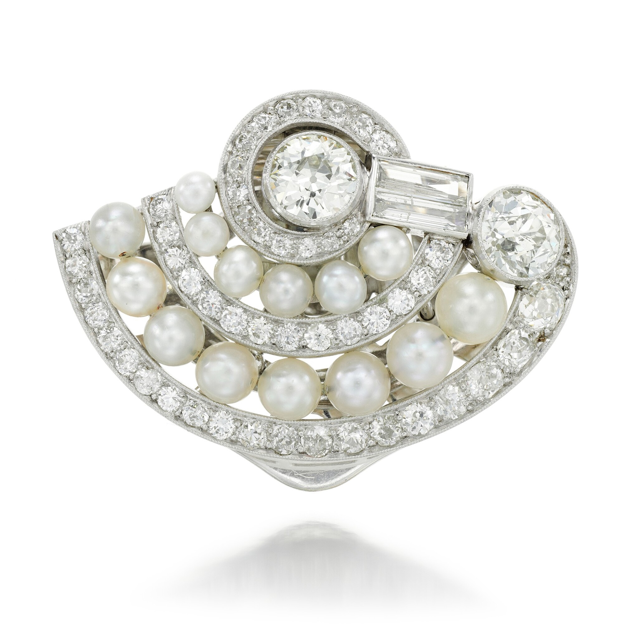 View full screen - View 1 of Lot 44. DIAMOND AND PEARL CLIP BROOCH.