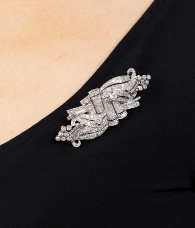 View 4. Thumbnail of Lot 28. Broche double-clip diamants | Diamond double clip-brooch.