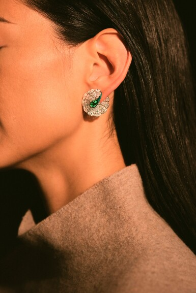 View 4. Thumbnail of Lot 1742. FORMS | PAIR OF EMERALD, DIAMOND AND ENAMEL EARRINGS | FORMS |「哥倫比亞」祖母綠 配 鑽石 及 琺琅彩 耳環一對.