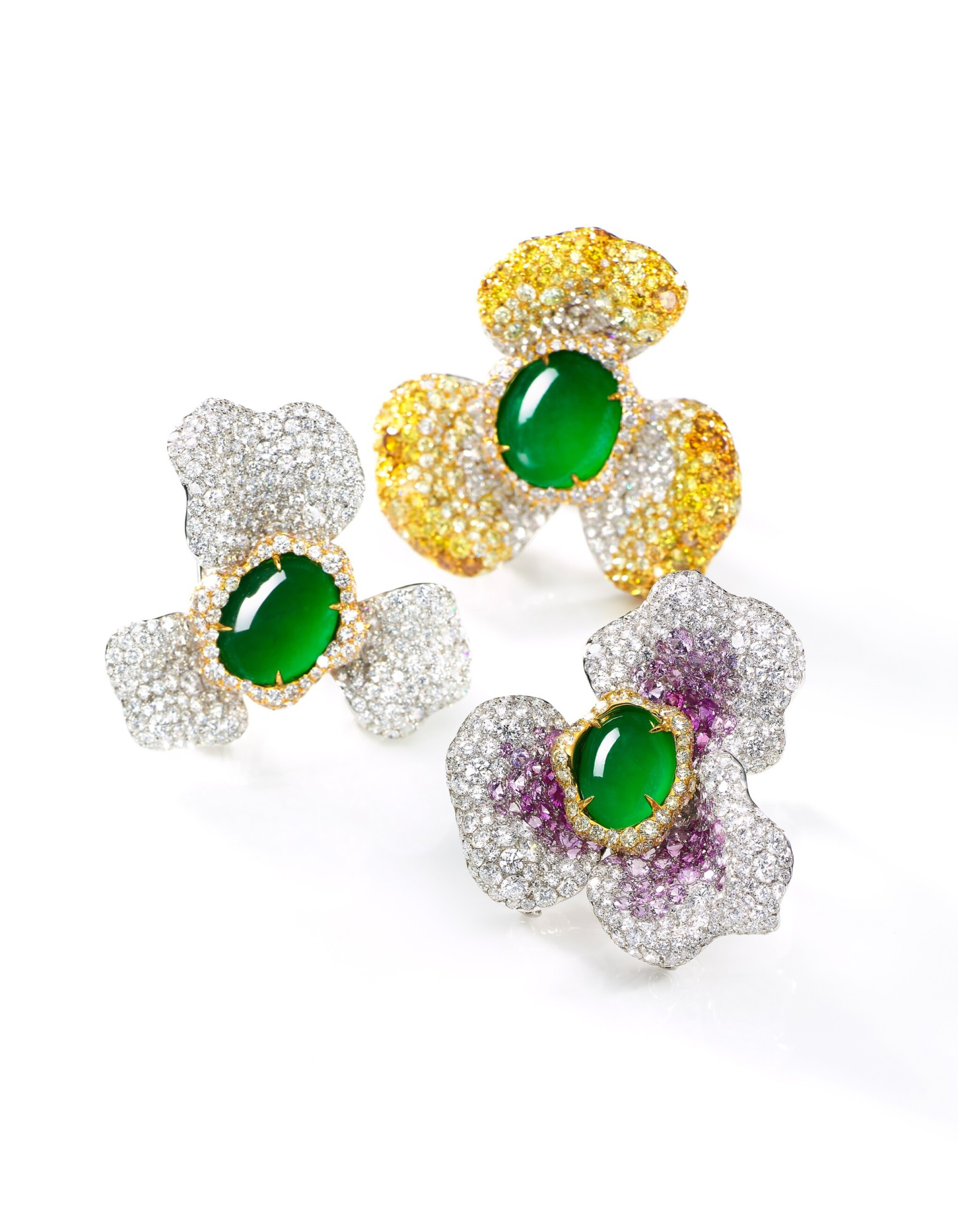 View full screen - View 1 of Lot 1744. CINDY CHAO | SET OF THREE JADEITE, DIAMOND AND PINK SAPPHIRE BROOCHES | 趙心綺 | 天然翡翠 配 鑽石 及 粉紅剛玉 胸針 一組三件.