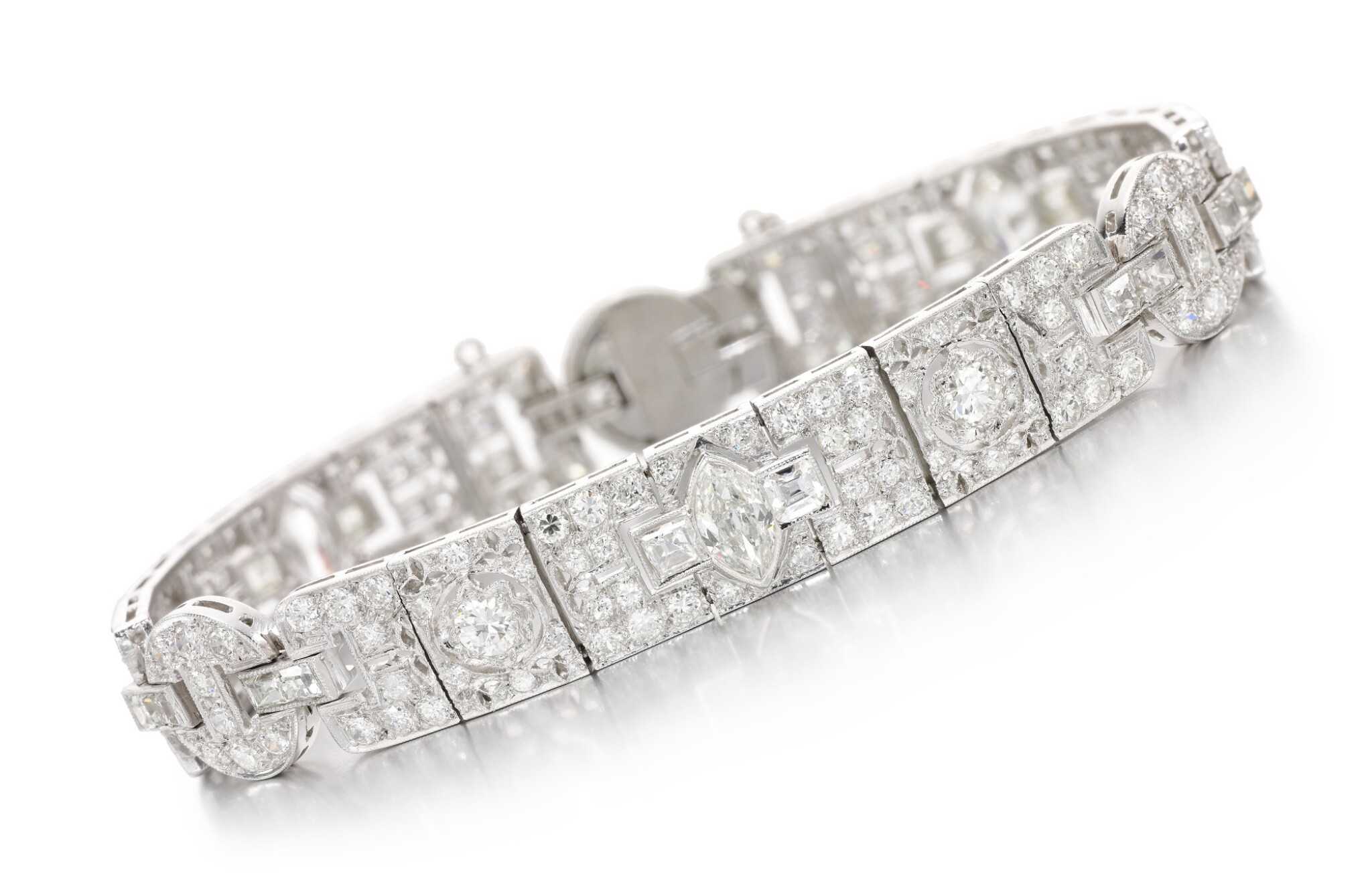 View full screen - View 1 of Lot 63. DIAMOND BRACELET, EARLY 20TH CENTURY.