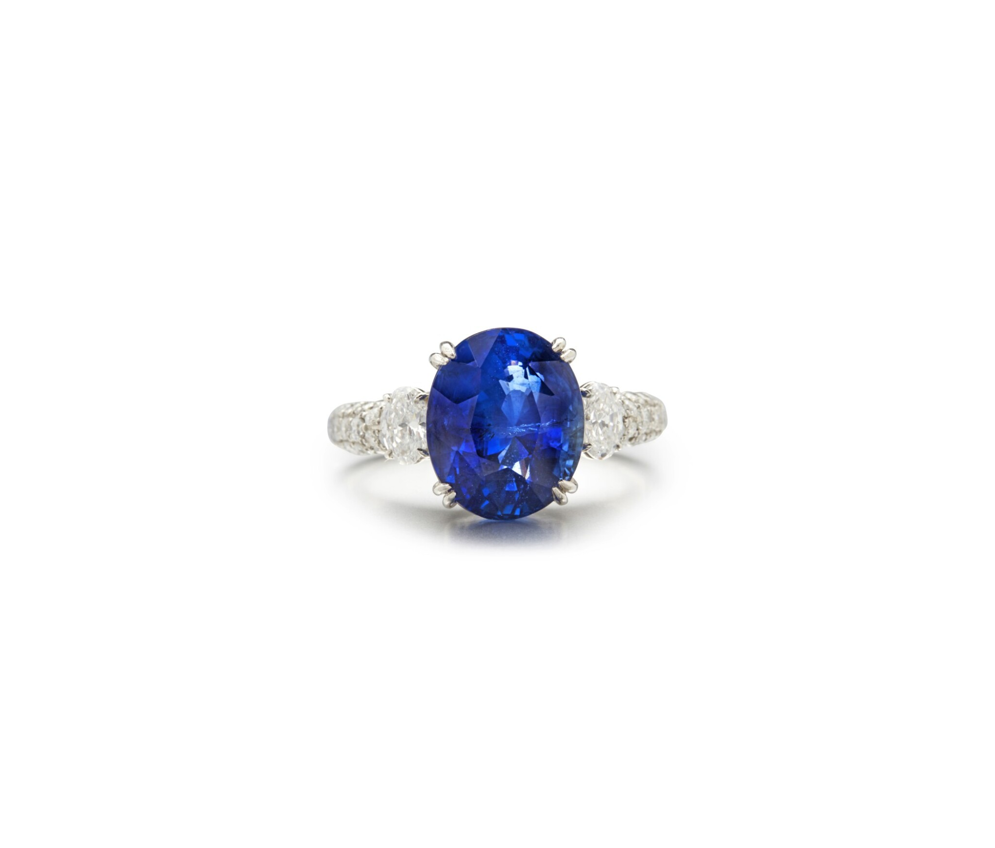 View full screen - View 1 of Lot 9. SAPPHIRE AND DIAMOND RING.