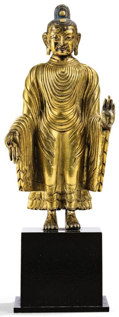 STATUETTE DE BOUDDHA MAITREYA EN BRONZE DORÉ DYNASTIE QING, XVIIIE SIÈCLE   清十八世紀 鎏金銅彌勒佛立像   A gilt-bronze figure of Maitreya, Qing Dynasty, 18th century