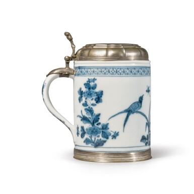 A MEISSEN BLUE AND WHITE SILVER-MOUNTED TANKARD CIRCA 1735-40