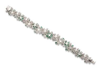 View 3. Thumbnail of Lot 1020. 'Carissa' Emerald and Diamond Bracelet | 格拉夫| 'Carissa' 祖母綠 配 鑽石 手鏈 (祖母綠及鑽石共重約9.30及17.40克拉).