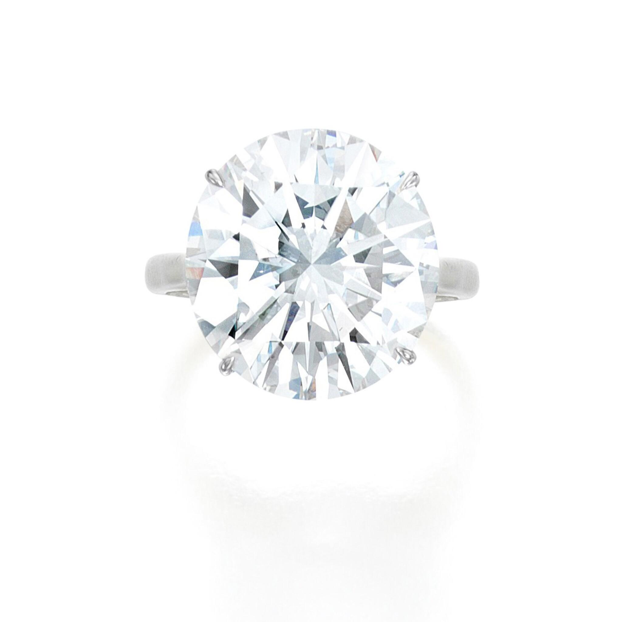 View full screen - View 1 of Lot 58. Diamond Ring.