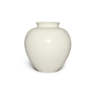View 3. Thumbnail of Lot 98. A white-glazed pottery ovoid jar, Tang dynasty | 唐 白釉罐.