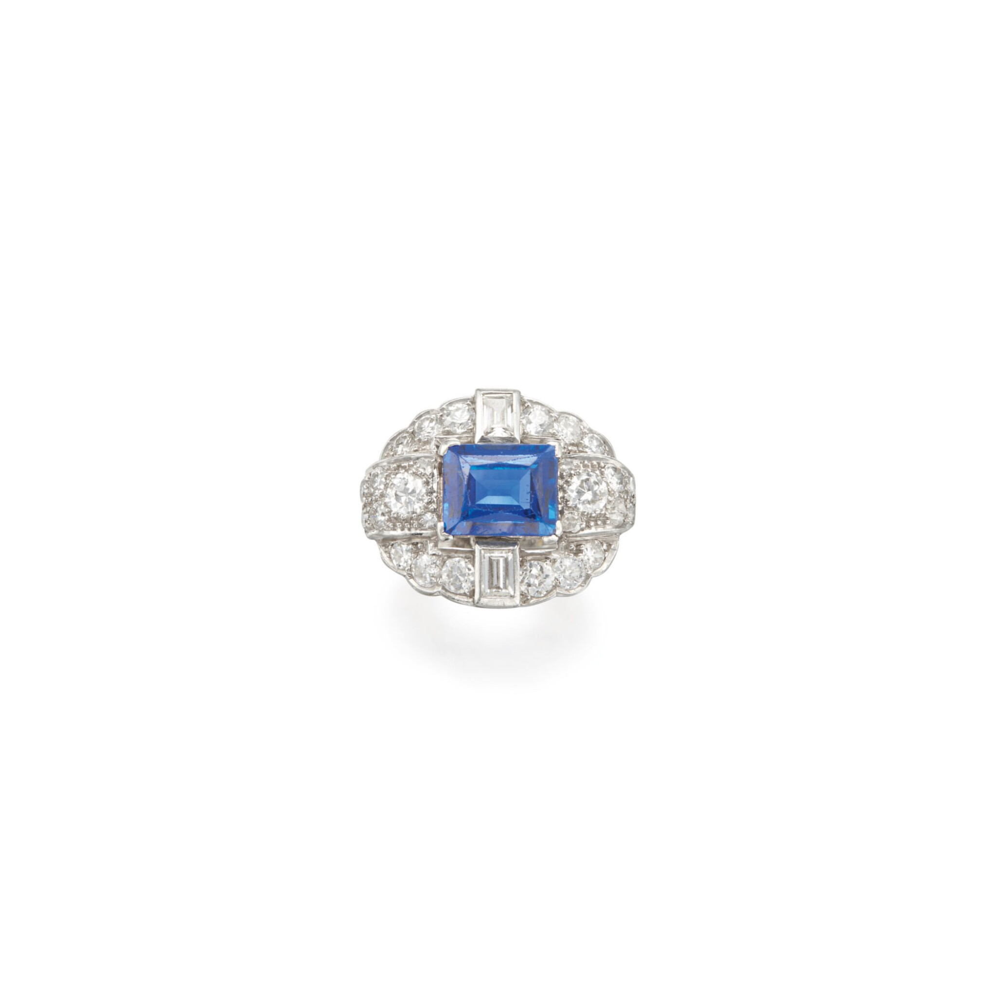 View full screen - View 1 of Lot 27. SAPPHIRE AND DIAMOND RING.