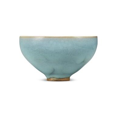 View 3. Thumbnail of Lot 193. A 'Jun' deep bowl, Northern Song / Jin dynasty | 北宋 / 金 鈞窰天藍釉盌.