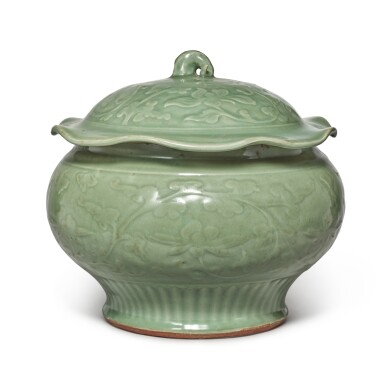 View 1. Thumbnail of Lot 89. A 'Longquan' celadon-glazed 'lotus' jar and cover, Late Yuan / early Ming dynasty | 元末 / 明初 龍泉窰青釉纏枝蓮紋蓋罐.