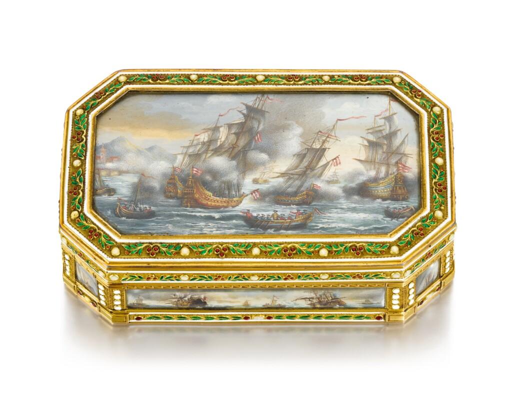 A GOLD AND ENAMEL BOÎTE-À-MINIATURES, HANAU, LATE 18TH CENTURY