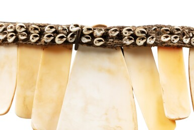 View 8. Thumbnail of Lot 213. Trois ornements dont un Hautes Terres, Papouasie-Nouvelle-Guinée et deux autres pangalapang, Ifugao, Îles de Luçon, Philippines | Three ornaments, one Highlands, Papua New Guinea and two other necklaces pangalapang, Ifugao, Luzon Islands, Philippines.