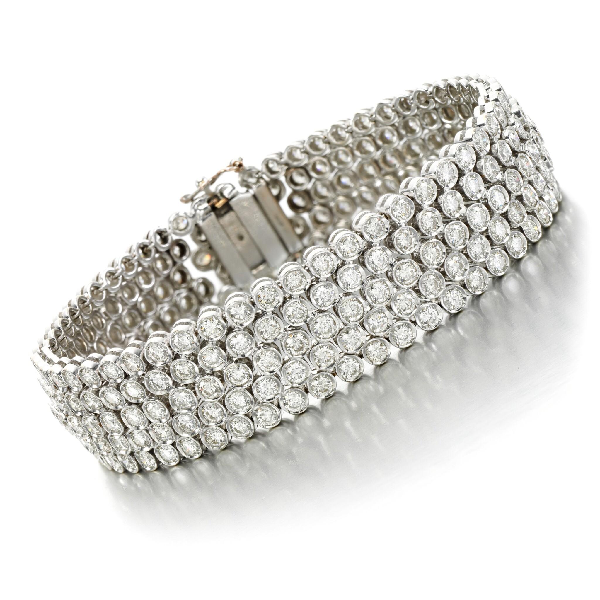 View full screen - View 1 of Lot 20. Diamond bracelet.