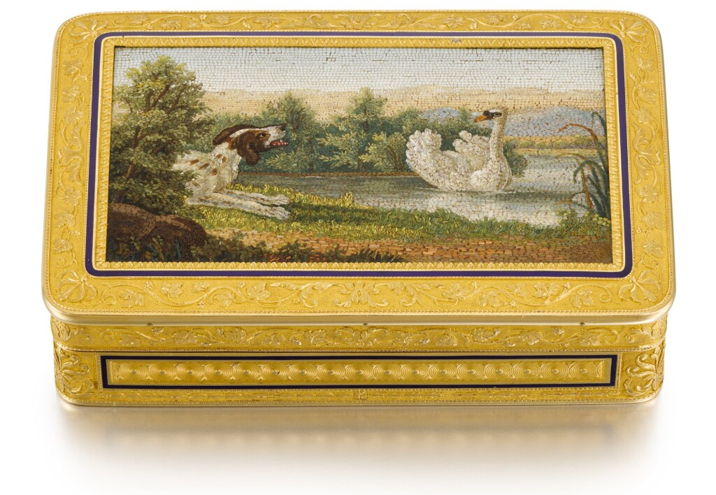 A GOLD AND ENAMEL SNUFF BOX WITH ROMAN MICROMOSAIC PANEL, PIERRE-ANDRÉ MONTAUBAN, PARIS, 1809-1819