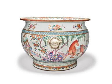 View 2. Thumbnail of Lot 449. A Rare and Large Chinese Export Famille-rose 'Figures' Fishbowl, Qing Dynasty, Yongzheng Period | 清雍正  粉彩描金人物故事圖大缸.
