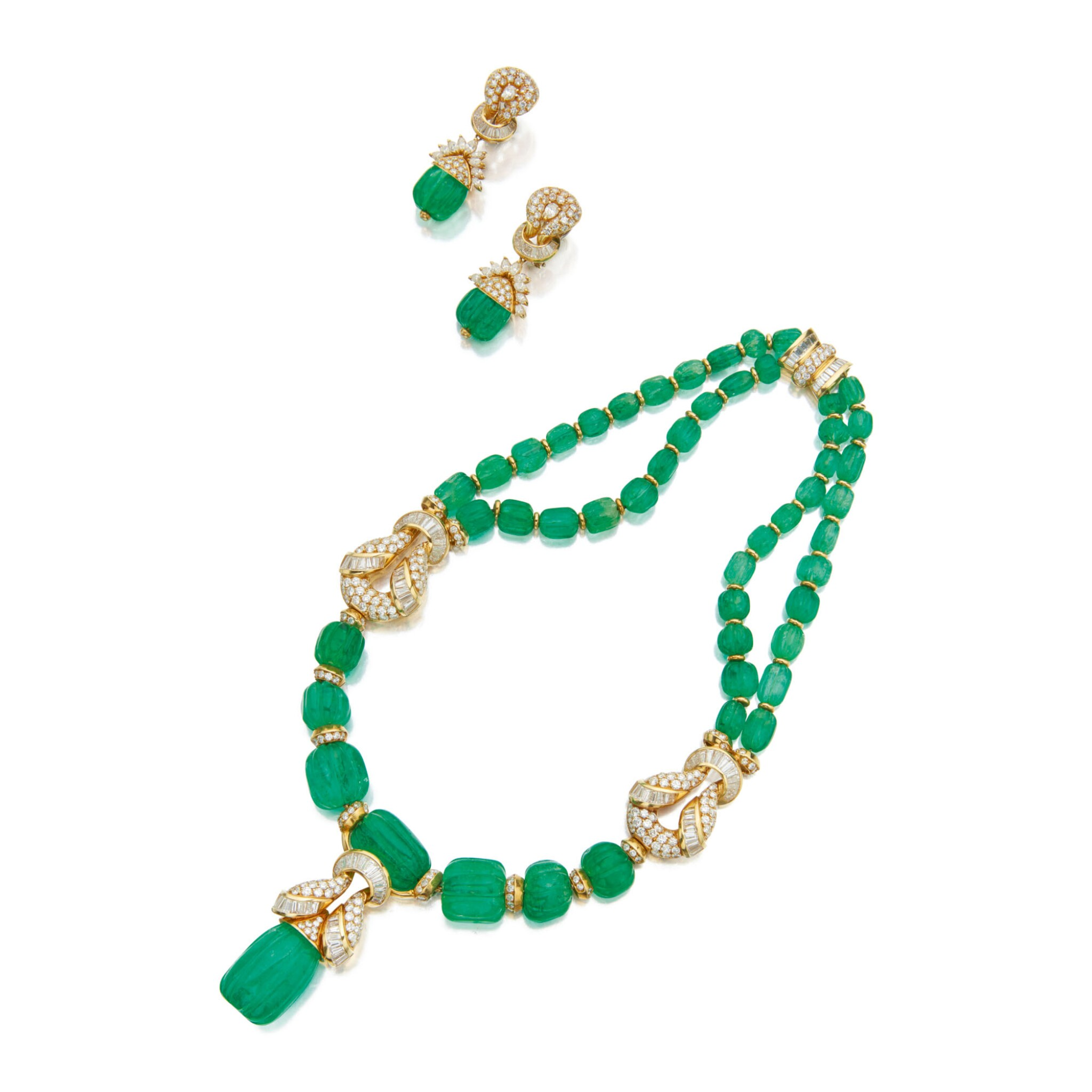 View full screen - View 1 of Lot 168. EMERALD AND DIAMOND NECKLACE AND PAIR OF EARCLIPS.