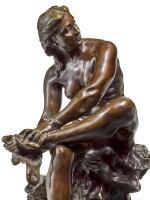 AIMÉ-JULES DALOU | BAIGNEUSE (JAMBES CROISÉES) S'ESSUYANT LE PIED (GAUCHE) (BATHER DRYING HER LEFT FOOT)
