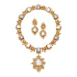 GOLD, CULTURED PEARL AND DIAMOND PENDANT-NECKLACE AND PAIR OF EARCLIPS, BUCCELLATI | 黃金鑲養殖珍珠配鑽石吊墜項鏈及耳環一對,Buccellati