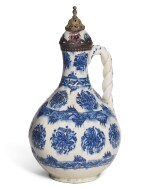 A KUTAHYA BLUE AND WHITE POTTERY EWER WITH TOMBAK LID, TURKEY, 18TH CENTURY