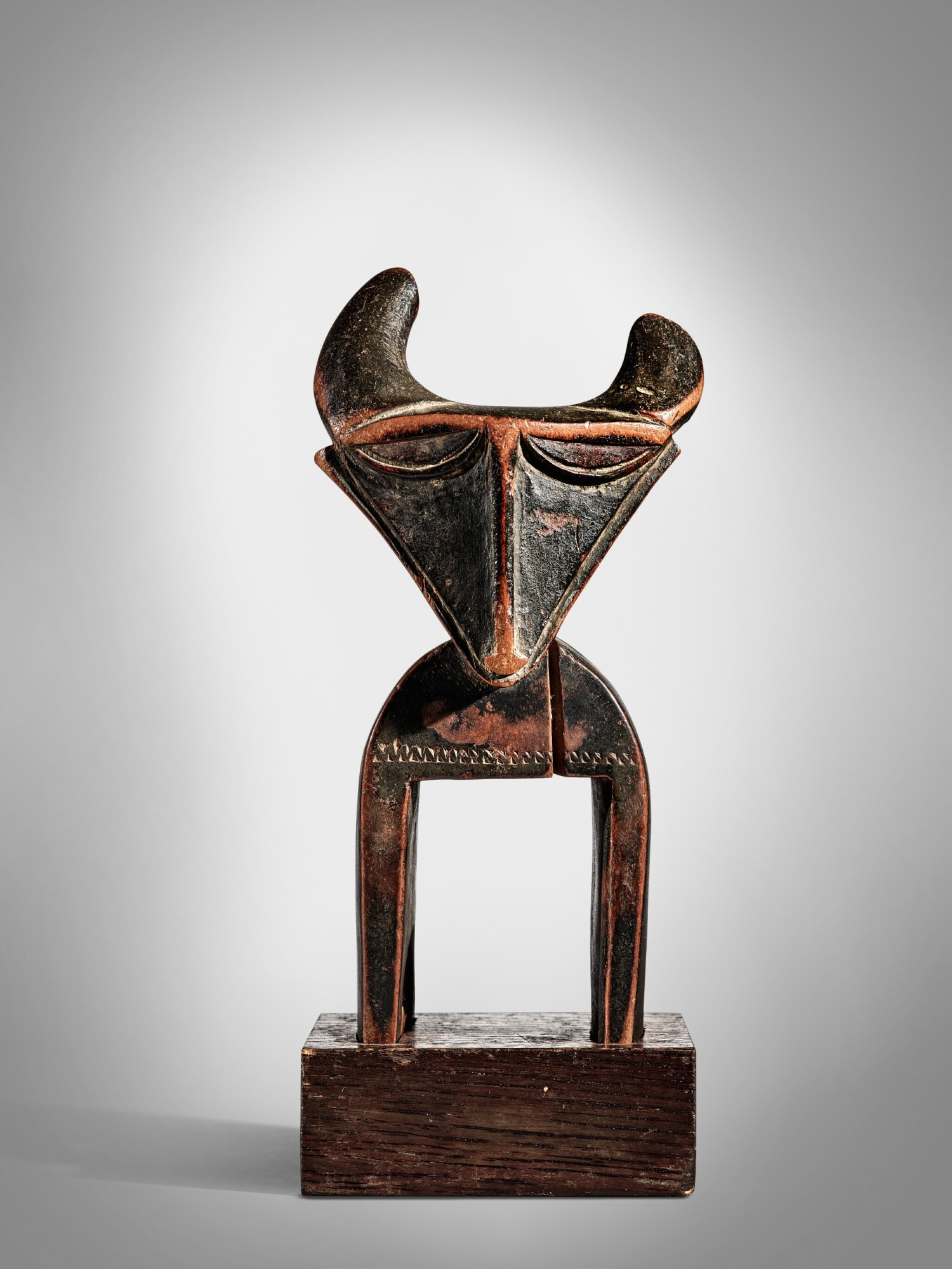 View full screen - View 1 of Lot 41. Jimini Heddle Pulley, Côte d'Ivoire.
