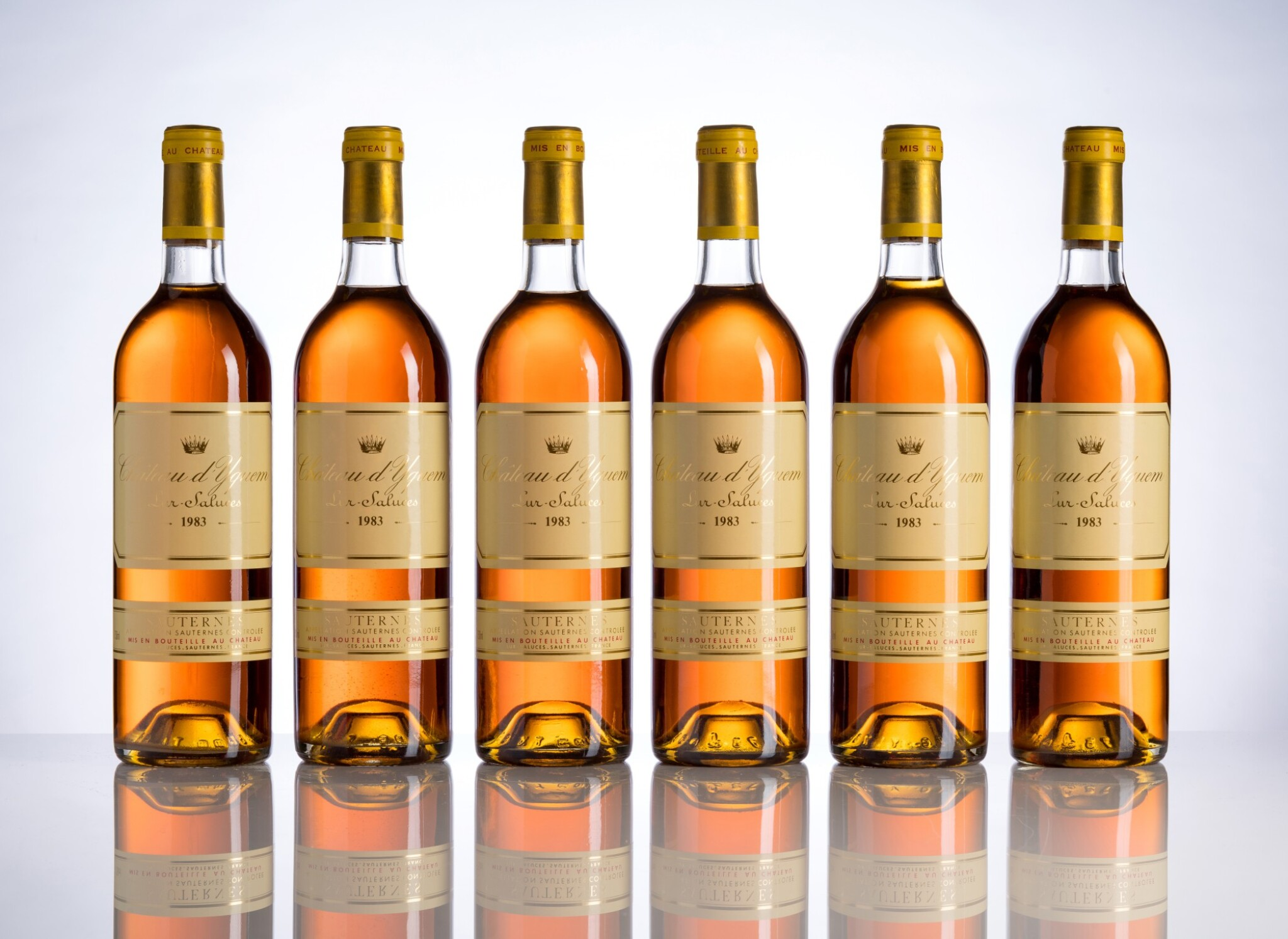 View full screen - View 1 of Lot 117. Château d'Yquem 1983 (12 BT).