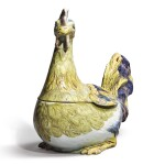 A CONTINENTAL FAIENCE LARGE COCKEREL TUREEN AND COVER, LATE 18TH CENTURY