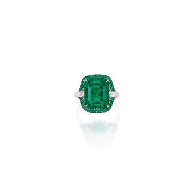 EMERALD AND DIAMOND RING, MARTIN KATZ | 祖母綠配鑽石戒指,Martin Katz