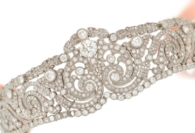 DIAMOND DIADEM   (DIADEMA IN DIAMANTI,  1910